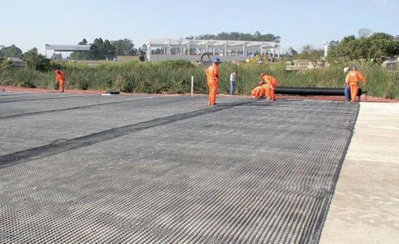 Geotêxtil como elemento separador e de reforço